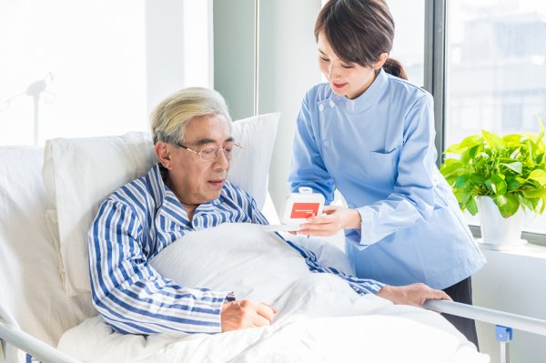 福清照顾一对夫妻八十多岁能自理老人